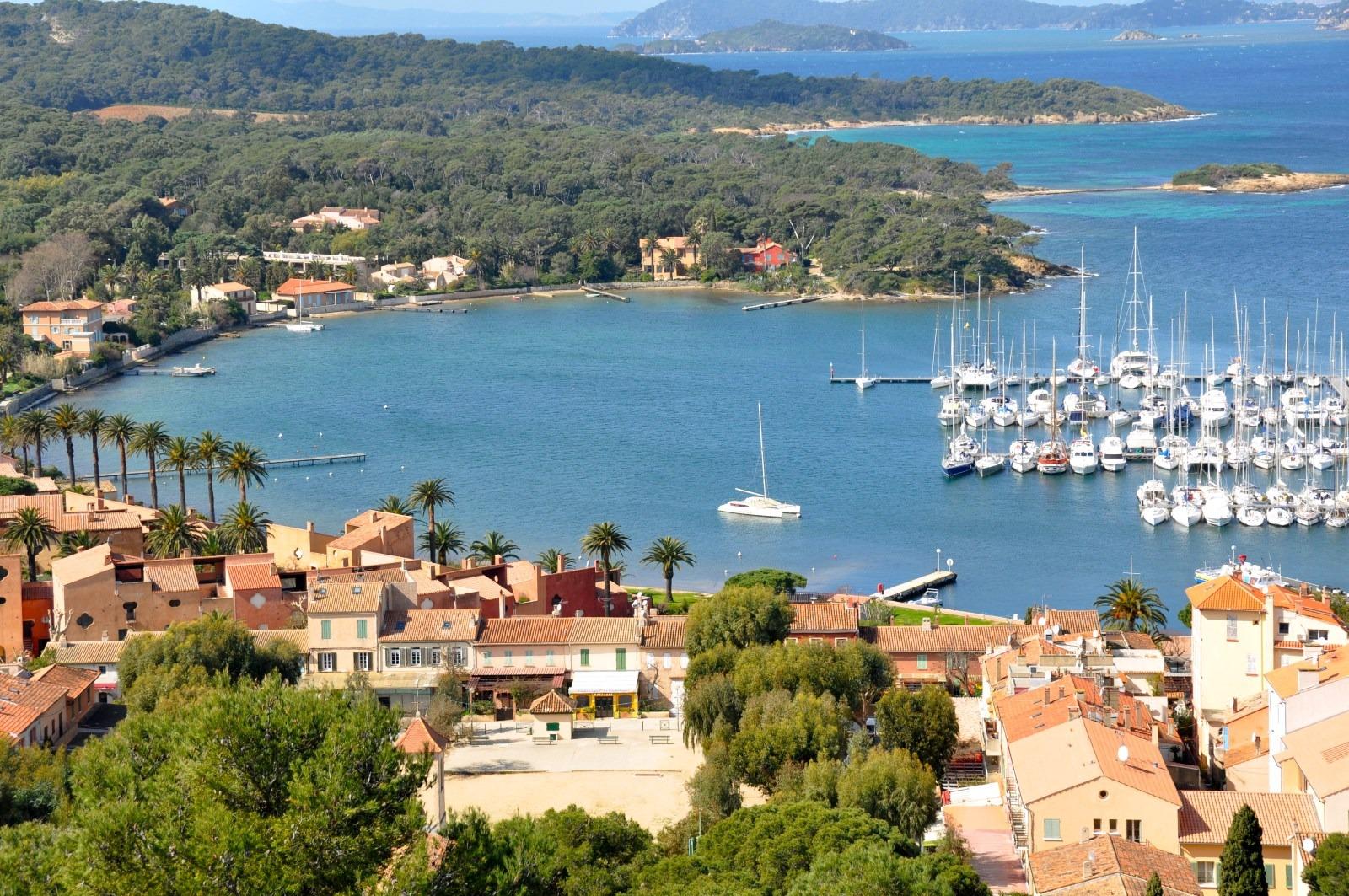 Le village Porquerolles par le Clos des Galéjades - Location de vacances à Porquerolles