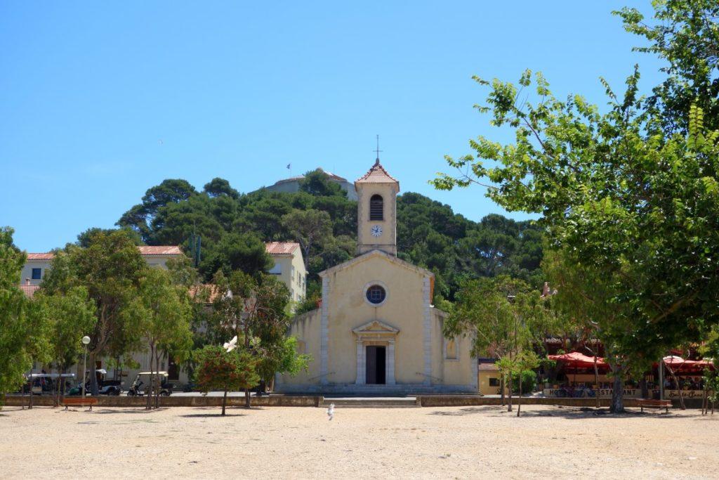 Eglise de Porquerolles