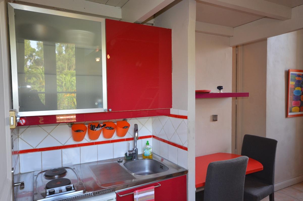cuisine studio à louer porquerolles