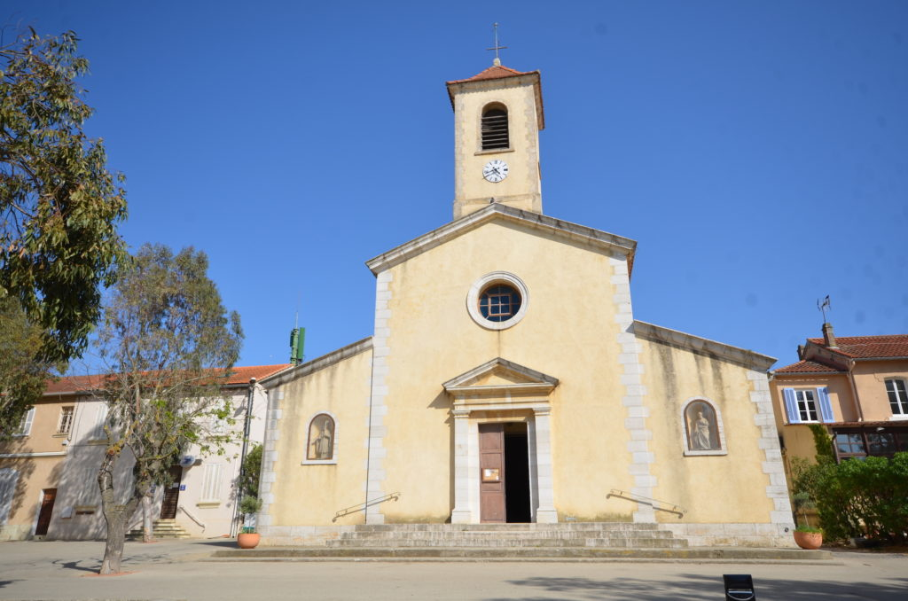église place de porquerolles le clos des galéjades